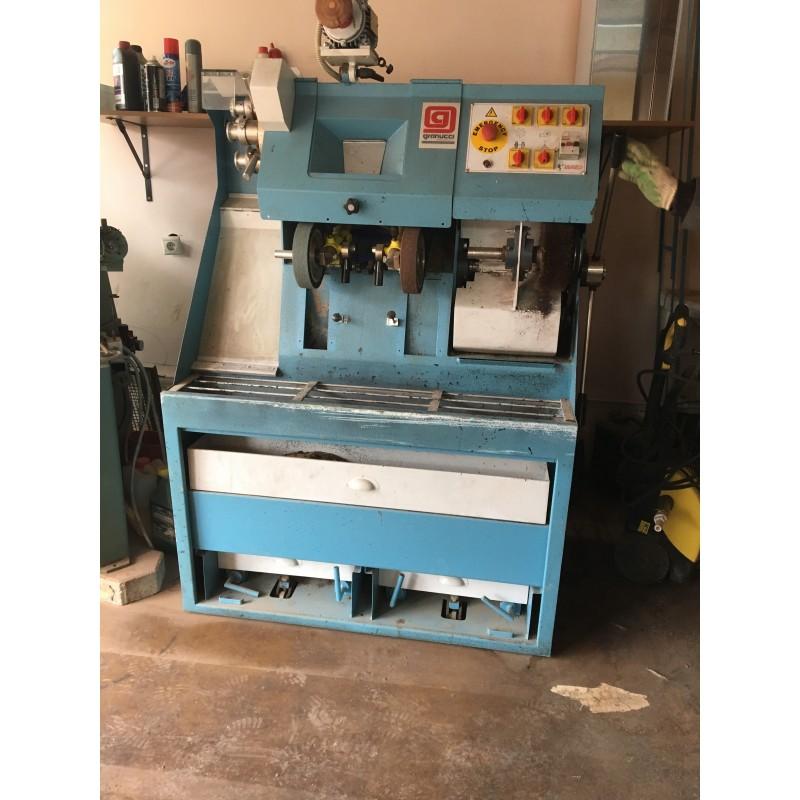 Комплект оборудования для ремонта и изготовления индивидуальной обуви