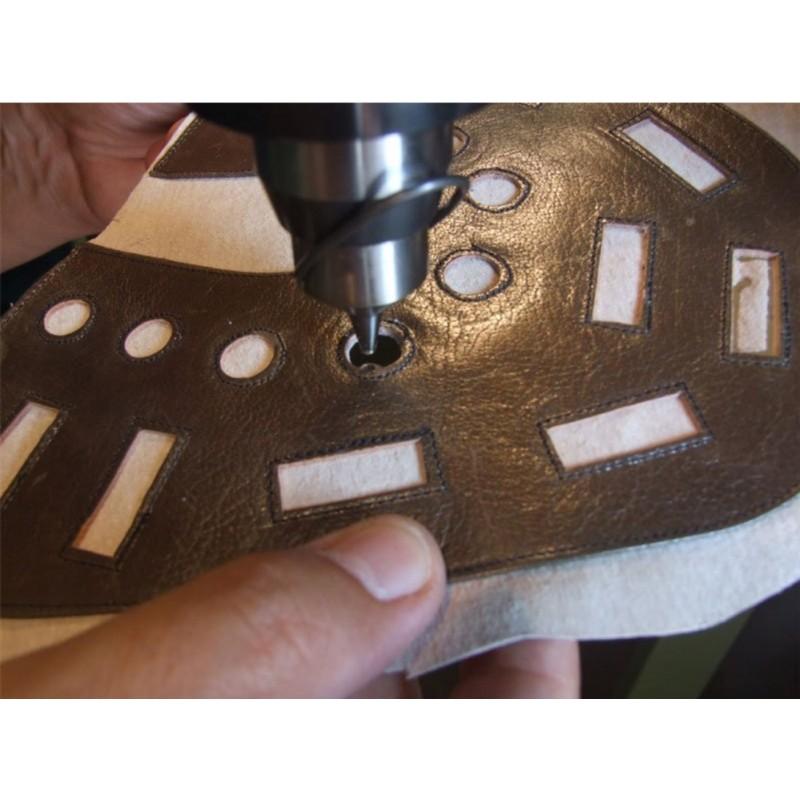 Машина для обрезки подкладки и пробивания отверстий COLLI GP20